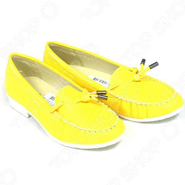Мокасины женские АЛМИ Лето. Цвет: желтыйМокасины<br>Мокасины женские АЛМИ Лето - это модная, удобная и практичная обувь, которая станет актуальным дополнением к вашему гардеробу. Мокасины изготовлены из высококачественной искусственной кожи по уникальной австрийской технологии литьевого метода крепления. Устойчивая подошва, материалом для которой, служит ПВХ позволит ногам находиться в комфорте. Мокасины, абсолютно неприхотливы в уходе и не требует дополнительных средств по уходу за обувью. Легкие и удобные мокасины АЛМИ Лето отлично подходят для повседневной носки.<br>