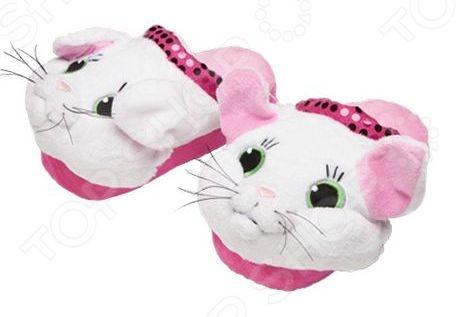 Тапочки-игрушки Silly Slippeez KITTYДругие игрушки<br>Тапочки-игрушки Silly Slippeez KITTY это удобные тапочки, выполненные в виде кошки. Прекрасно подойдут для ежедневной носки по дому. Теплые тапочки отличный выбор для любого сезона. В них малышу будет комфортно и уютно. Поверхность подошвы предотвратит скольжение по полу.<br>