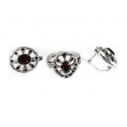 фото Серьги и кольцо JENAVI «Луара». Вставка: гранатовый кристалл. Размер: 19