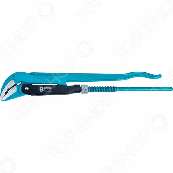 Ключ трубный рычажный GROSS «Тип B»Гаечные ключи<br>Ключ трубный рычажный GROSS Тип B предназначен для монтажа и демонтажа сантехники. Применяется для фиксации труб с резьбой или болтов. Выкован из хромванадиевой стали, рассчитанной на длительные и интенсивные нагрузки. Специальное порошковое покрытие защищает металл от коррозии.  Губки дополнительно закалены токами высокой частоты до твердости 57-60 HRс.  Прогрессивная форма зуба с наклоном против направления вращения обеспечивает самоблокируемый захват деталей.  Регулировочная гайка имеет стопорное кольцо.<br>