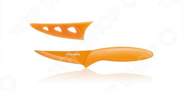 Нож универсальный с непристающим лезвием Tescoma PrestoНожи<br>Нож универсальный с непристающим лезвием Tescoma Presto и адгезивным покрытием, благодаря которому процесс нарезки становится максимально бережным и эффективным. В процессе готовки продукты не прилипают к лезвию, а после окончания приготовления пищи оно прекрасно очищается как ручным способом, так и в посудомоечной машине. Для чистки не рекомендуется использовать абразивные вещества, металлические сетки и другие материалы, которые могут нарушить целостность поверхности ножа. В комплекте прилагается надежный защитный чехол, обеспечивающий безопасность во время хранения и переноски изделия.<br>
