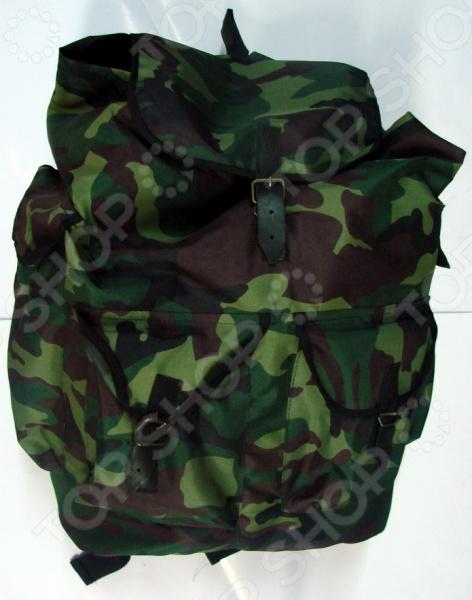 Рюкзак прорезиненный «Шанс»Туристические рюкзаки и аксессуары<br>Рюкзак прорезиненный Шанс прекрасное сочетание хорошего качества, надежности и комфорта использования. Вместительный рюкзак из прочнейшего материала Oxford 600D станет удобным хранилищем для провианта, личных вещей, технического снаряжения и пр. В боковой и передней частях расположены большие карманы для различных мелочей, закрывающиеся при помощи кожаных ремешков. Рюкзак имеет достаточно широкие лямки, которые позволяют максимально удобно распределить нагрузку и снизить утомляемость пользователя во время длительного путешествия. Лямки регулируемые, поэтому вы всегда сможете определить для них нужную длину с учетом своего роста. Также имеется небольшая, но надежная петля для ношения рюкзака в руках.<br>