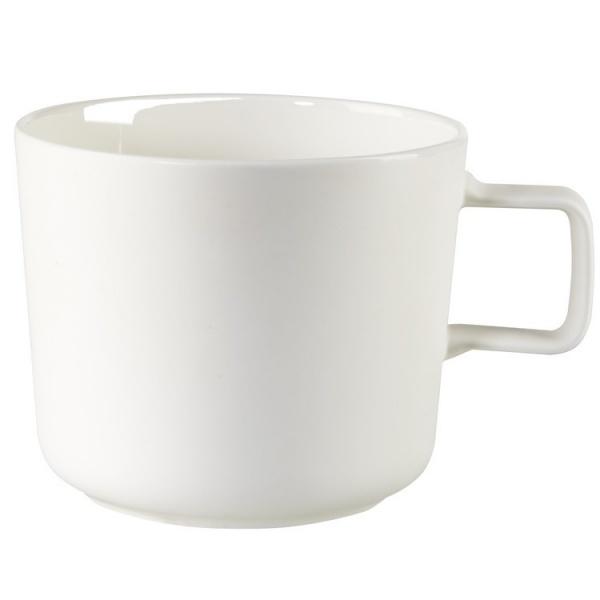 Чашка для кофе Asa Selection OcoКружки. Чашки<br>Чашка для кофе Asa Selection Oco удобная белая чашка под кофе. Имеет квадратную ручку для свободного обхвата. Выполнена из качественного фарфора. Умещает в себе 0,2 литра кофе. Классический цвет будет хорошо смотреться с любой сервировкой стола. За счет большой теплоемкости и уникальной формы, такая чашка позволит по достоинству насладиться ароматом и терпкостью напитка.<br>