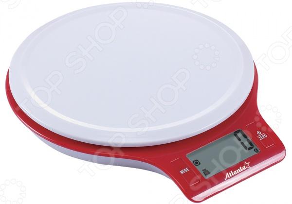 Весы кухонные Atlanta ATH-6206Кухонные весы<br>Весы кухонные Atlanta ATH-6206 удобные электронные кухонные весы, которые сделают процесс приготовления пище ещё более простым и удобным. С помощью этих весов вы сможете взвесить как мелкие сыпучие ингредиенты, так и более крупные продукты, например, овощи, фрукты или мясо. Предел взвешивания составляет 5 кг. Удобная плоская платформа позволяет расположить на ней высокие чаши или кастрюли. Сверхточные часы отображают данные с точности до 1 г. С этими весами даже особо точные и сложные рецепты будут казаться легкими. На корпусе расположен большой дисплей и механические кнопки, которые обеспечивают легкое управление весами. Стильный современный дизайн весов позволяет им вписаться в интерьер любой кухни. Особенности кухонных весов Atlanta ATH-6206:  полностью электронная технология;  функция обнуления веса;  функция сложный рецепт позволяет взвешивать отдельные ингредиенты в одной емкости;  универсальная конструкция позволяет использовать любую чашу в качестве мерной;  автоматическое отключение позволяет надолго сохранить заряд батареи;  индикаторы слабых батареек и перегрузки.<br>