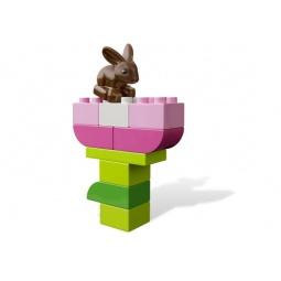 фото Конструктор LEGO Розовая коробка с кубиками 64439
