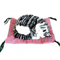 фото Мягкая игрушка интерактивная Zzz «Дышащий Серебристый Тэбби на коврике»