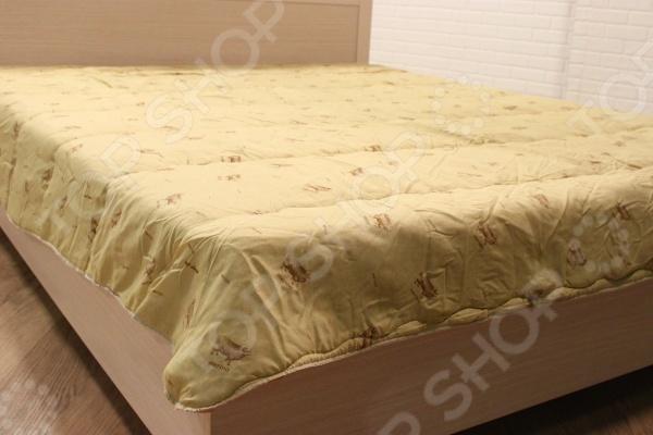 Одеяло «Забота»Одеяла<br>Одеяло Забота с наполнителем из 100 натуральной овечьей шерсти обеспечивает ощущение уюта, тепла и комфорта! Мягкая и приятная на ощупь шерсть великолепно пропускает воздух, создавая в постели оптимальный микроклимат, а также своевременно впитывает пот, благодаря чему тело во время сна остается сухим. Этот природный материал способен к самоочищению, поэтому он не впитывает запахи тела. Овечья шерсть практичный материал, который не только согреет в любую непогоду, но и поможет поддержать комфортную температуру тела. Отметим, что шерсть также хорошо помогает бороться с болью при артрите. Ткань чехла 100 полиэстер. Наполнитель овечья шерсть 150 г м2 .<br>