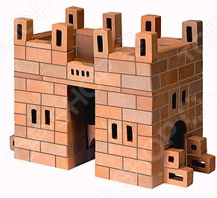 Конструктор из глины Brick Master «Арка»Другие виды конструкторов<br>Конструктор из глины Brick Master Арка оригинальная альтернатива традиционным конструкторам с пластиковыми деталями. Почувствуйте себя настоящим строителем, создавая строение из миниатюрных кирпичиков. Все строительные блоки выполнены из обожженной глины, они гладкие и приятные на ощупь. Набор включает специальную строительную смесь из очищенного речного песка и крахмала, используемую для скрепления кирпичиков. После высыхания состав затвердевает, и готовое строение можно поставить на полочку. Однако при желании достаточно поместить конструкцию на 3-4 часа в воду, и смесь растворится. В результате кирпичики снова будут готовы для игры. Конструктор подойдет для детей от 3 лет. Главное, чтобы ребенок начинал игру под присмотром взрослых. Все материалы экологически чистые и безопасные для здоровья. Комплект включает керамические детали, смесь и мастерок.<br>
