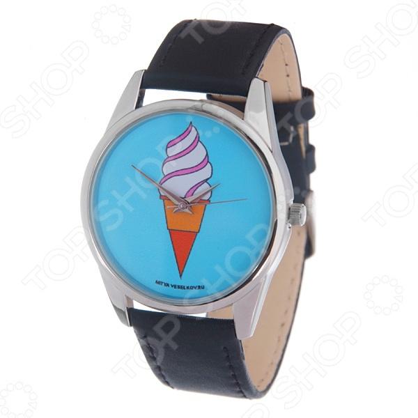 Часы наручные Mitya Veselkov «Мороженое»Женские наручные часы<br>Не секрет, что правильно подобранные аксессуары вершат весь образ, добавляют ему законченности и помогают грамотно расставить цветовые акценты. Наручные часы же являются не просто стильным украшением, но и весьма функциональным аксессуаром. Именно поэтому, наряду с оригинальным дизайном и влиянием модных тенденций, при их выборе важно учитывать вид часового механизма и качество используемых материалов. Часы наручные Mitya Veselkov Мороженое станут отличным дополнением к набору ваших аксессуаров. Модель отличается стильным дизайном и прекрасным качеством исполнения, хорошо сочетается с яркими креативными нарядами и оригинальными украшениями. Корпус часов выполнен из минерального стекла и сплава металлов. Ремешок изготовлен из натуральной кожи, застежка классическая. Механизм часов кварцевый Citizen Япония .<br>