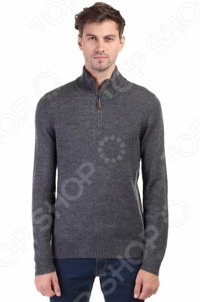 Джемпер Baon B636520Джемперы. Кардиганы. Свитеры<br>Стильный образ это просто! Джемпер Baon B636520 предназначен специально для мужчин. Представленная модель с высоким воротником отлично подойдет для ежедневной носки по дому или в офисе в осенне-зимний период. Использованная цветовая гамма дает возможность сочетать джемпер практически с любой одеждой, а застежка на молнии придает изделию стильный и модный вид. Благодаря новым технологиям, абсорбция влаги в точке контакта ткани с телом происходит намного быстрей.  Джемпер Baon B636520 изготовлен из пряжи, в состав которой входят как синтетические, так и натуральные материалы. Овечья шерсть и шерсть альпаки будут согревать даже в сильный мороз, а полиамид и акрил отвечают за прочность и устойчивость к истиранию. Изделие крайне практично оно не деформируется, не садится и не линяет даже после множества стирок. На предприятиях производителя используется высокотехнологичное современное оборудование, отвечающее всем мировым стандартам и обеспечивающее высокое качество продукции.  Оцените преимущества джемпера от бренда Baon:  Подойдет как для повседневного ношения, так и для создания офисных образов.  Подчеркнет модность вашего гардероба.  Выполнен из качественных материалов.  Легок в уходе, не линяет, не садится при стирке.<br>