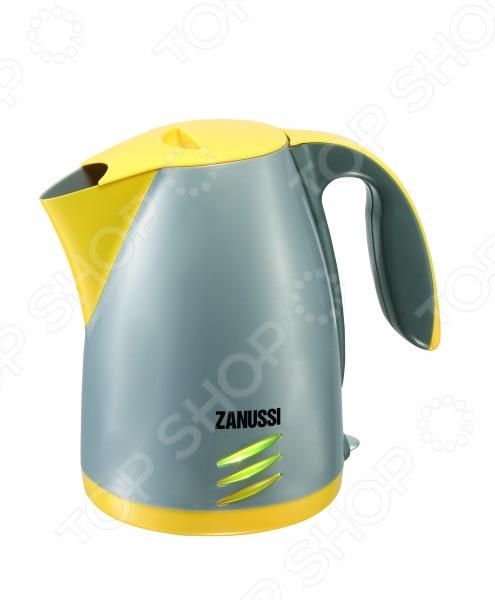 Чайник детский HTI ZanussiСюжетно-ролевые наборы<br>Чайник детский HTI Zanussi станет отличным подарком для маленькой хозяйки, ведь этот чайник ведет себя как настоящий. При нажатии на рычаг включается звуковая имитация закипания чайника со свистком, поэтому гости никогда не пропустят следующего чаепития. Все детали выполнены из высококачественных нетоксичных материалов, поэтому полностью безопасны для детей.<br>