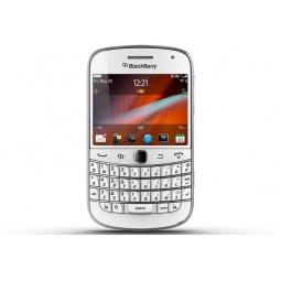 фото Смартфон BlackBerry Bold 9900. Цвет: белый