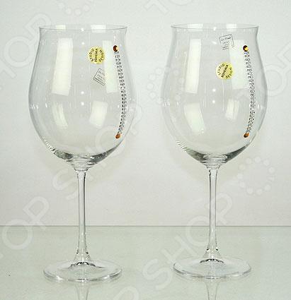 Набор бокалов для вина NotteБокалы<br>Набор бокалов для вина Notte станет элегантным украшением вашего праздничного стола или вечеринки. Универсальные бокалы идеально подходят для подачи самых различных сортов вин: белых, красных, розовых или игристых. Классическая форма и современное исполнение позволяет в полной мере насладиться тонкими ароматами, цветом и вкусом напитка. Бокалы выполнены из прочного и качественного стекла. Этот современный материал отличается удивительным блеском и прочностью, которые не утрачиваются даже после многочисленного использования набора. Набор рассчитан на 2 персоны. Набор не подходит для мытья в посудомоечной машине, поэтому его стоит мыть теплой водой без использования абразивных чистящих средств.<br>