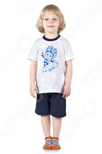 Пижама для мальчика «Фиксики. Нолик»Детская одежда для дома и сна<br>Детская одежда должна отличаться не только удобством и стильным дизайном, но и высоким качеством используемых материалов. Поэтому при её выборе нужно отдавать предпочтение натуральным материалам, например таким, как хлопок. В особенности это касается той одежды, в которой ваш ребенок проводит много времени - одежды для дома или пижамы. Пижама для мальчика Фиксики. Нолик станет великолепным дополнением детского гардероба. Она выполнена из высококачественного трикотажного полотна из натурального хлопка, поэтому в такой пижаме ребенок будет чувствовать себя очень комфортно. Натуральный материал отлично отводит и впитывает влагу, а также обеспечивает отличную воздухопроницаемость. Другим преимуществом пижамы для мальчика Фиксики. Нолик является её свободный и удобный крой, который не будет сковывать движение ребенка. Футболка оформлена коротким рукавом и горловиной с контрастной бейкой, а короткие шорты эластичным поясом-резинкой со шнурком, поэтому они не будут задираться или спадать даже во время беспокойного сна. Особого внимания заслуживает яркий и стильный дизайн пижамы, который выполнен в стиле популярного и всеми любимого детского мультфильма Фиксики , персонажи которого всегда готовы прийти детям на помощь в трудных ситуациях, и объяснить, как устроен этот мир. Изделия также отличаются великолепной носкостью. Они не потеряют свою форму, цвет и качество даже после многочисленных стирок. Подарите вашему ребенку здоровый и комфортный сон с пижамой для мальчика Фиксики. Нолик .<br>