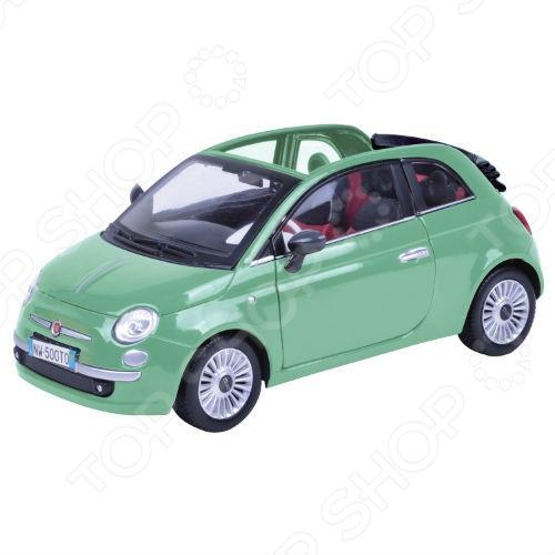 Модель автомобиля 1:24 Motormax Fiat Nuova 500 Cabrio