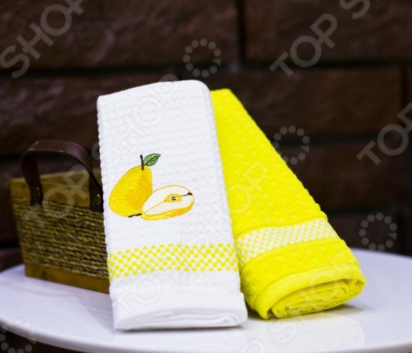 Комплект из 2-х кухонных полотенец Mariposa PearКухонные полотенца. Прихватки<br>Комплект из 2-х кухонных полотенец Mariposa Pear это прекрасный помощник любой хозяйки. Такие чудесные полотенца станут отличным дополнением кухонного интерьера, добавят в него уют и комфорт. Также их всегда можно взять с собой на пикник или в путешествие полотенца практичны и компактны, они не займут много места в вашей сумке. Изделия изготовлены из натурального хлопка с использованием высококачественных красок, поэтому они не только полезны для человека, но и безопасны для его здоровья. В комплекте представлено 1 махровое и 1 вафельное полотенце.<br>