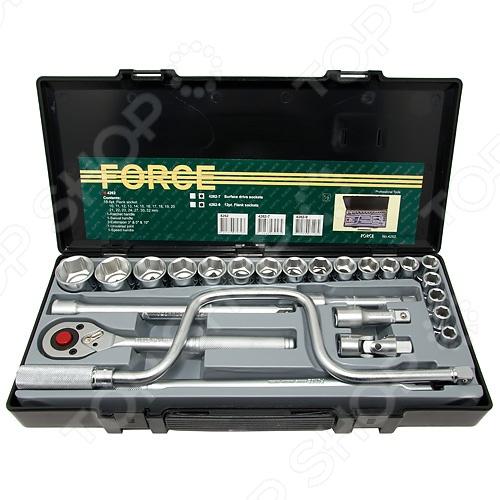Набор с торцевыми головками Force F-4262Наборы инструментов<br>Набор торцевых головок Force F-4262 комплект сменных насадок для слесарно-монтажных инструментов с профилем 1 2 DR. Головки 6-гранные 10-32мм. Изделия изготовлены из высококачественных износостойких материалов, которые обеспечат долгую жизнь инструментам. Благодаря тому, что торцевые головки миниатюрные и подвижные вы можете работать под любым углом, что невозможно сделать с помощью накидных или рожковых ключей.  Головки 6-гранные 10; 11; 12; 13; 14; 15; 16; 17; 18;19; 20; 21; 22; 23; 24; 27; 30; 32 мм.  Трещотка  Вороток шарнирный  Удлинители: 3 ; 5 ; 10  Кардан  Коловорот<br>