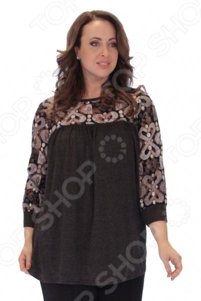 Блуза Элеганс «Графит»Блузы. Рубашки<br>Блуза Элеганс Графит это легкая и нежная блуза, которая поможет вам создавать невероятные образы, всегда оставаясь женственной и утонченной. Благодаря отличному дизайну она скроет недостатки фигуры и подчеркнет достоинства. Блуза прекрасно смотрится с брюками и юбками, а насыщенный цвет привлекает взгляд. В этой блузе вы будете чувствовать себя блистательно как на работе, так и на вечерней прогулке по городу. В составе нити современной обработки, позволяющие телу дышать и чувствовать себя прекрасно в любую погоду. Универсальная длина делает блузу одеждой на все случаи жизни, а удобные рукава 3 4 скрывают недостатки в области плеч. Круглый вырез подчеркивает изящество фигуры. Прекрасно подходит энергичной современной женщине, которая хочет выглядеть элегантно в любой ситуации. Оригинальный принт блузы имеет важную функцию: яркая расцветка, отвлекает внимание от недостатков и облегчает силуэт. Это классический и эффективный прием, помогающий добиться гармоничных пропорций тела. Блуза изготовлена из великолепной вискозы 95 вискоза, 5 эластан и гипюра 95 ПЭ, 5 эластан , благодаря чему материал не скатывается и не линяет после стирки. Швы обработаны текстурированными, эластичными нитями, благодаря чему не тянутся и не натирают кожу.<br>