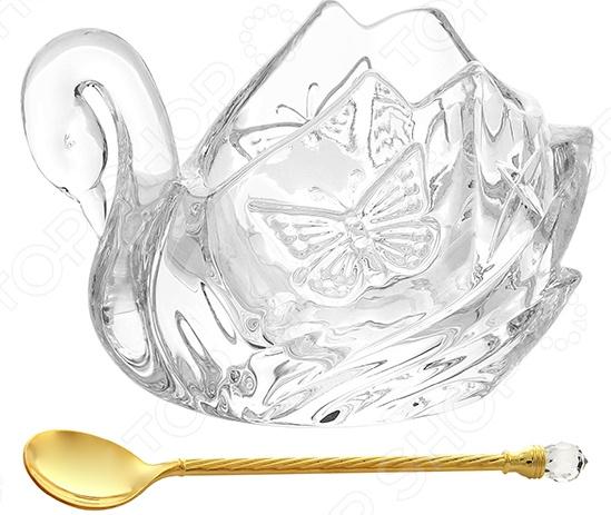 Икорница Elan Gallery с ложкой «Лебедь с бабочками»Кухонная мелочь<br>Икорница Elan Gallery с ложкой Лебедь с бабочками красивое и практичное дополнение кухонной утвари. Это блюдо идеально подойдет для сервировки икры, ведь такой роскошный деликатес требует достойного обрамления. Икорница может использоваться и для подачи оливок, различных соусов и заправок, холодных закусок и пр. Блюдо отличается изящной текстурой, благодаря чему оно станет самым настоящим украшением обеденного стола и кухонного интерьера. Полезные свойства:  Практичность и универсальность;  Оригинальный дизайн;  Высококачественный натуральный материал стекло;  Нейтральная расцветка;  Компактные размеры;  Укомплектованная ложечка;  Легкость эксплуатации. Качество изделия: Икорница изготовлена из высококачественного стекла, которое обладает широчайшим спектром достоинств. Оно не содержит вредных компонентов и прекрасно взаимодействует с продуктами, легко очищается и не впитывает запахи. Стекло устойчиво к повышенным температурам и воздействию различных химических веществ.<br>
