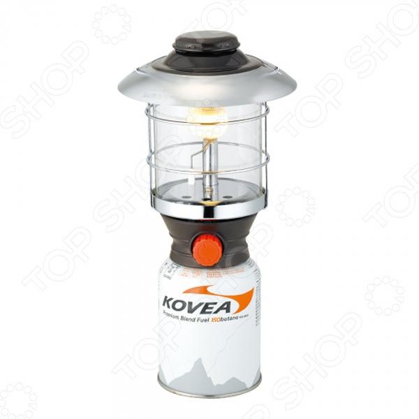 Лампа газовая большая Kovea 210 Lux KL-1010Газовые лампы<br>Лампа газовая большая Kovea 210 Lux KL-1010 прекрасный выбор для любителей активного отдыха, кемпинга и турпоходов. Она станет отличным дополнением к набору ваших туристических принадлежностей и поможет сделать отдых максимально комфортным. Лампа достаточно мощная, работает на газе, однако по силе освещения может соперничать даже с бензиновыми моделями. Расход топлива составляет 105 г ч.<br>