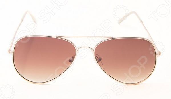Очки солнцезащитные Mitya Veselkov AV-BROWNСолнцезащитные очки<br>Очки солнцезащитные Mitya Veselkov AV-BROWN станут чудесным дополнением к набору ваших аксессуаров. Они не только уберегут глаза от вредного воздействия солнечного света, но и подчеркнут вашу индивидуальность, взыскательность и неповторимый вкус. Очки имеют форму авиатор , снабжены стильной металлической оправой и коричневыми линзами. Последние, в свою очередь, выполнены из высококачественных, устойчивых к появлению царапин, материалов. Торговая марка Mitya Veselkov это синоним первоклассного качества и стильного современного дизайна. Компания занимается производством и продажей часов, запонок, кошельков, очков и т.д. Креативность, оригинальность и творческий подход вот основные принципы торгового бренда Mitya Veselkov.<br>