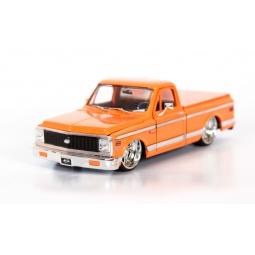 фото Модель автомобиля 1:24 Jada Toys Chevy Cheyenne Pickup. Цвет: оранжевый