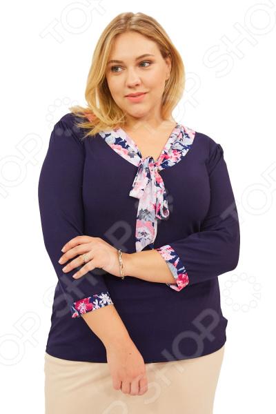 Блуза Матекс «Валентина». Цвет: розовыйБлузы. Рубашки<br>Блуза Матекс Валентина незаменимая вещь в гардеробе модницы. Подойдет для женщин практически любой комплекции, ведь особенности кроя помогают скрыть недостатки и подчеркнуть достоинства фигуры. Эта блуза полуприталенного силуэта отлично подойдет для повседневного использования.  Удобная длина на уровне бедра будет идеально смотреться на женщинах с любым типом фигуры и любого возраста.  Выразительный фасон позволяют надеть ее не только в офис или на прогулку, но и на официальные мероприятия.  V-образный вырез горловины украшен галстуком.  Галстук выполнен из яркого цветочного принта.  На фото с юбкой Венера . Блуза изготовлена из высококачественного трикотажа 95 вискоза, 5 полиэстер . Полиэстер предохраняет вещь от измятия и быстро высыхает после стирки. Швы обработаны текстурированными, эластичными нитями, благодаря чему не тянутся и не натирают кожу.<br>