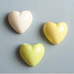 фото Набор кашпо настенных Экочеловеки Heart. Цвет: зеленый, желтый, белый