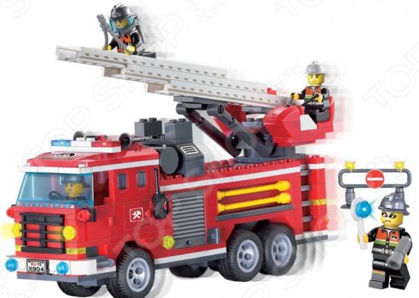 Конструктор игровой Brick «Пожарная машина с лестницей» 1717080Игровые конструкторы<br>Конструктор игровой Brick Пожарная машина с лестницей 1717080 это яркий конструктор для детей, в котором он найдет все необходимый детали для создания своей истории про бравых пожарных! Большое количество деталей подойдут для детей старше шести лет, они отлично различимы для ребенка и он точно поймет что с ними необходимо делать и как сконструировать полноценную модель. Конструкторы такого типа развивают пространственное и логическое мышление, фантазию, творческие способности и мелкую моторику рук. В комплекте есть минифигурки людей.<br>