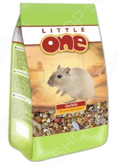 Корм для песчанок Little One 31080Корм<br>Корм для песчанок Little One 31080 сбалансированная смесь для ваших маленьких питомцев, богатая всеми необходимыми витаминами и минеральными веществами. Состав корма разработан с учетом особенностей питания песчанок в их естественной среде обитания. Состав: пшеничные хлопья, тыквенные семечки, просо желтое и красное, сорго белое, соя, овсянка, гречиха, канареечное семя, нуг абиссинский, кукурузные хлопья, люпин, арахис, конопляное семя, сушеный банан, травяные гранулы, воздушная пшеница, кароб, кукуруза, горох, подсолнечник, сушеная морковь. Содержание: белки 16 , жиры 5 , клетчатка 9 , зола 7 , кальций 0,9 , фосфор 0,6 ; витамины А 12000МЕ кг, D3 1200МЕ кг, Е 50мг кг, биотин 40мкг кг, сульфат меди II 9мг кг, йод 1мг кг. Рекомендации по кормлению: суточный объем порции составляет 10-20г на зверька в зависимости от его размера. Кормить необходимо 2-3 раза в день в одно и то же время. Необходимо следить за тем, чтобы у зверька всегда была свежая вода.<br>