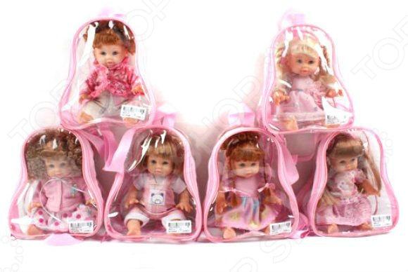Кукла Shantou Gepai в рюкзаке 0803-13. В ассортиментеКуклы<br>Товар продается в ассортименте. Вид изделия при комплектации заказа зависит от наличия товарного ассортимента на складе. Кукла Shantou Gepai в рюкзаке 0803-13 - красивая и очаровательная кукла в рюкзачке, которая обязательно понравится вашей малышке. Кукла выглядит как маленькая девочка, поэтому игра вместе с ней станет ещё более увлекательной и реалистичной. Её можно будет покормить, искупать, уложить спать или пошить на неё одежку. Такая игрушка идеально подходит для социально-сюжетных игр, в течении которых ребенок учиться доброте, внимательности и ответственности. Кукла выполнена с удивительной детализацией. У ней пухлые щечки, большие глаза и густые волосы, которые можно расчесывать или заплетать в косички. Девочка одета в милый розовый комплект. Удобный прозрачный рюкзачок позволит взять с собой куклу, куда бы малышка не отправилась: на прогулку, в гости или путешествие.<br>