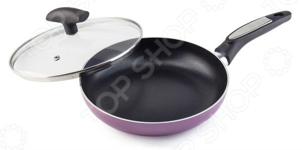 Сковорода Galaxy GL 9827Сковороды<br>Сковорода Galaxy GL 9827 удобная и практичная в использовании посуда, которая позволит вам раскрыть все ваши кулинарные таланты. Эргономичная бакелитовая ручка не снимается и не нагревается, что обеспечивает дополнительное удобство при приготовлении пищи. Прочные стенки и термоаккумулирующее дно быстро нагреваются и равномерно распределяют тепло, не давая продуктам пригореть. Специальное антипригарное покрытие препятствует прилипанию и пригоранию продуктов,а значит вы сможете готовить без использования большого количества масла. Это делает блюда не только более здоровыми и полезными, но и очень вкусными и ароматными. Алюминиевая сковорода отличается своей универсальностью, так как подходит для различных источников тепла: для стеклокерамических, газовых, электрических плит и даже индукционных. В комплекте имеется прозрачная крышка из жаропрочного стекла.<br>