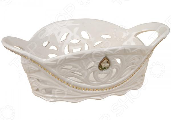 Хлебница Rosenberg 8376Хлебницы<br>Хлебница Rosenberg 8376 - стильная и роскошная посуда, которая эффектно дополнит ваш праздничный стол. Так как хлеб всегда ставится в центре стола, посуда для его сервировки должны быть красивой и элегантной. Данная модель хлебницы отличается своей удивительной лаконичностью и элегантностью. Дизайн выполнен в виде витиеватого плетения, который придает хлебнице дополнительную легкость и изысканность. Качественный и практичный материал изделия гарантирует простоту в уходе и использовании.<br>