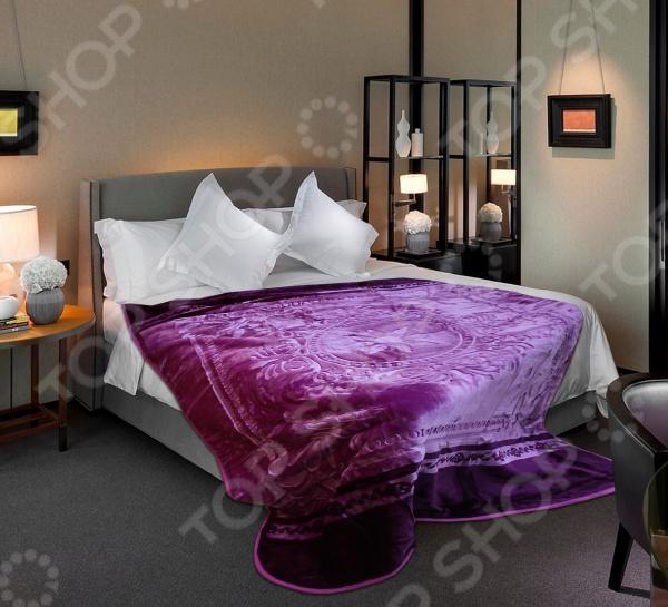 Плед Tomilon Kaleidoscope lilac-violetПледы<br>Плед Tomilon Kaleidoscope lilac-violet - качественная модель, которая подарит вам тепло и поможет преобразить спальную комнату. Мягкий, теплый и приятный на ощупь, плед согреет даже в самые холодные вечера и ночи, а стильный и красивый дизайн изделия придаст комнате изысканность и неповторимый шарм, добавив изюминки в интерьер комнаты. Модель выполнена из материала созданного по современным уникальным технологиям, благодаря чему обладает рядом преимуществ. Плед не мнется, не требует особого ухода, а кроме того не линяет и не теряет свой первоначальный цвет. Оригинальная модель непременно станет ярким акцентом в любом интерьере.<br>