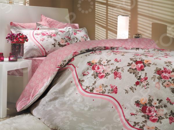 Комплект постельного белья Hobby Home Collection Susana. Цвет: розовый. 2-спальный2-спальные<br>Как известно, треть своей жизни человек проводит во сне. Именно поэтому, то, насколько бодрым и активным будет ваше завтрашнее утро, напрямую зависит от того, насколько комфортным и полноценным был ваш ночной отдых. Не последнюю роль в этом, наряду с покупкой ортопедического матраса и удобной мягкой подушки, играет также и выбор качественного постельного белья. Стильно, комфортно, качественно Комплект постельного белья Hobby Susana это сочетание стильного дизайна и прекрасного качества исполнения. Он не только внесет яркий акцент в интерьер вашей спальни, но и добавит ей индивидуальности и особого домашнего уюта. В набор входит пододеяльник, простыня и четыре, разные по размеру, наволочки.  Постельное белье выполнено из поплина ткани, отлично зарекомендовавшей себя в пошиве домашнего текстиля. Он на 100 состоит из хлопка и отличается легкостью, воздухопроницаемостью и устойчивостью к истиранию. Ткань отлично впитывает влагу, не электризуется и не скользит во время сна. По своим характеристикам поплин напоминает бязь, однако, на ощупь он гораздо более мягкий и гладкий. Постельное белье Hobby это:  натуральные гипоаллергенные ткани;  использование стойких нетоксичных красителей;  большой выбор дизайнов и расцветок. Ткани и готовые изделия производятся на современном импортном оборудовании и отвечают европейским стандартам качества. Стирать белье рекомендуется в деликатном режиме без использования агрессивных моющих средств.<br>