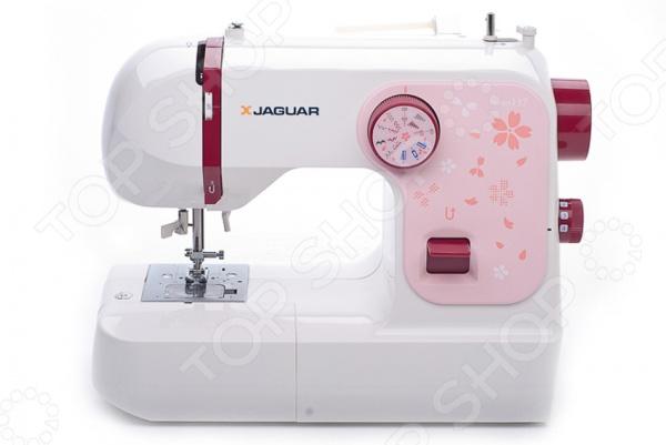 Швейная машина Jaguar 137Швейные машины<br>Швейная машина Jaguar 137 незаменимая помощница для тех, кто увлекается шитьем. Эта швейная машина относится к начальному классу, поэтому идеально подходит, как для совсем не опытных швей, так и для более продвинутых любителей рукоделия. Несмотря на то, что машинка способна выполнять всего 18 швейных операций этого вполне хватает для быстрого ремонта или пошива одежды. Так, в вашем распоряжении будут прямые строчки, строчки зигзаг, потайные, трикотажные и эластичные строчки. С помощь удобной педали вы сможете регулировать скорость шитья. Для более комфортной работы в конструкции швейной машины Jaguar 137 предусмотрено яркое освещение рабочей зоны. Так, вы сможете различить даже малейшие изменения или неровности на получившихся строчках при минимальном внешнем свете. Рукавная платформа позволит легко обработать манжеты, рукавные проймы или округлые линии горловины. Для удобства закрепления строчки предусмотрена функция реверса. Швейная машина Jaguar 137 выполнена из высококачественных материалов, которые обеспечивают долговечность и надежность оборудования. Стильный современный дизайн придется по душе даже самым требовательным швеям. Удобный органайзер строчек на передней панели позволит быстро выбрать необходимую строчку. Легкое и удобное управление придется по нраву даже неподготовленному новичку. Другими преимуществами швейной машины Jaguar 137 являются:  автоматический нитевдеватель обеспечивает быструю и эффективную работу;  разметка на игольной пластине поможет сделать за шириной припуска при сшивании изделия;  оптимальный подъем лапки до 99 мм позволяет комфортно работать с объемными тканями;  легкая установка шпульки. Со швейной машиной Jaguar 137 шитье будет приносить одно удовольствие!<br>