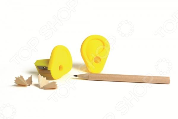 С точилкой Doiy Ear ваши карандаши всегда будут остро заточены и готовы к использованию. Она станет отличным дополнением к набору канцелярских принадлежностей и добавит яркости и оригинальности вашему рабочему столу. Такая забавная вещица обязательно понравится любителям всего необычного и оригинального, ведь она выполнена в виде маленькой ушной раковины. Изделие изготовлено из ударопрочного ABS-пластика, удобно и практично в использовании.