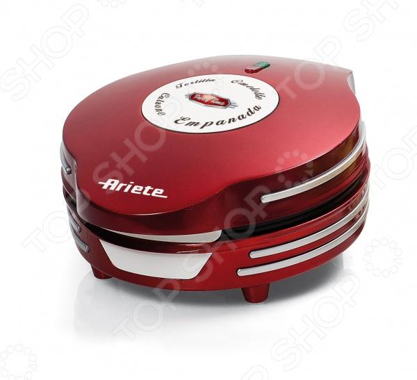Омлетница Ariete 182Необычная техника для кухни<br>Омлетница Ariete 182 станет отличным дополнением к набору вашей мелкой бытовой техники для кухни и даст возможность каждый день радовать домочадцев необычайно вкусными и аппетитными завтраками. Прибор практичен и функционален в использовании, подходит для приготовления омлетов, тортилий, эмпанад, пирогов с начинкой, кальцоне и т.д. Омлетница снабжена индикатором включения, предохранительной защелкой и системой сматывания шнура. Антипригарное покрытие пластин, в значительной мере, облегчает чистку прибора и предотвращает подгорание продуктов.<br>