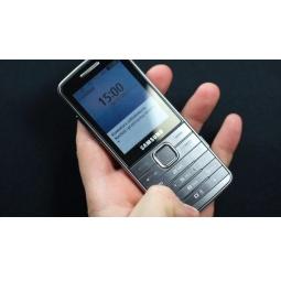 фото Мобильный телефон Samsung S5610. Цвет: серебристый