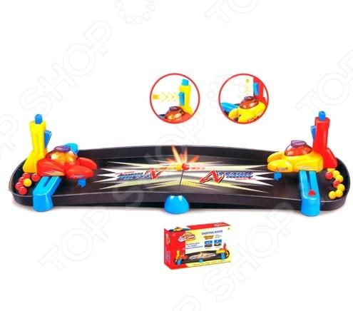 Игра настольная Di Hong Ответный удар миниатюрная игра для веселого времяпрепровождения с друзьями. Передвигая катапульту, нужно отбивать шарики противника и стараться попасть в защитную стойку. Кто сделает больше попаданий и отобьет больше шариков, тот и выиграл. Игра продолжается пока один из игроков не израсходует все свои шарики. Игра отлично развивает ловкость, скорость и смекалку.