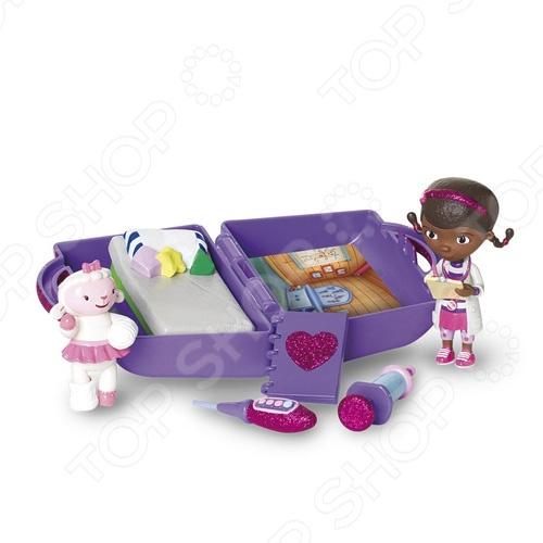 Набор игровой Doctor Plusheva «Мини клиника»Игровые наборы для девочек<br>Набор игровой Doctor Plusheva Мини клиника прекрасно подойдет для подарка вашим детям. В комплект входит фигурки доктора и овечки, а также медицинские аксессуары. Все это помешается в чемоданчике. В раскрытом виде чемоданчик представляет собой интерьер медицинского кабинета. Эта игрушка не только подарит вашим детям многие минуты радости, но и позволит им получить представление о профессии врача и расширить свои познания о мире.<br>