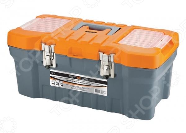 Ящик для инструмента Stels 90712Сумки. Ящики. Шкафы для инструментов<br>Stels 90712 это удобный и современный ящик для инструмента, который рассчитан на повышенные нагрузки. Крышка открывается широко, предоставляя легкий доступ к содержимому. Размеры изделия позволяют разместить в нем молоток, пассатижи, гаечные ключи или другой мелкий инструмент. Представленная модель оснащена удобной ручкой для переноски, двумя встроенными органайзерами с крышкой и металлическими замками. Внутренний лоток дает возможность разделить ящик на две части.<br>