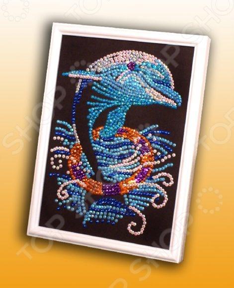 Мозаика из пайеток Волшебная мастерская «Дельфин» 011Мозаика<br>Мозаика из пайеток Волшебная мастерская Дельфин 011 это отличный набор для детского творчества. Немного терпения и фантазии и сверкающая картинка-мозаика готова. Ею можно украсить детскую комнату или же преподнести в качестве подарка друзьям и близким. Подобные творческие занятия способствуют развитию у детей мелкой моторики рук, сенсорного восприятия и усидчивости. Рекомендовано для детей в возрасте от 6-ти лет.<br>
