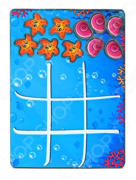 Игра развивающая Мастер игрушек «Крестики-нолики: Водный мир»Другие обучающие и развивающие игры<br>Игра развивающая Мастер игрушек Крестики-нолики: Водный мир увлекательная развивающая игра, которая способствует целостному восприятию, расширяет кругозор и смекалку, учит сопоставлять предметы. Представляет собой картинку на котором нарисовано игровое поле. В комплекте 1 рамка-вкладыш и 10 фишек.<br>