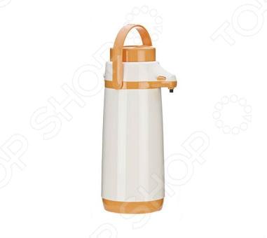 Термос с помпой Tescoma FamilyТермосы и термокружки<br>Термос с помпой Tescoma Family станет великолепным дополнением вашей кухонной утвари. Такой термос это отличное решение для безопасной сервировки и хранения теплых, горячих или холодных напитков. Изделие с жаростойким пластиковым корпусом сохраняет и поддерживает первоначальную температуру напитка, поэтому вы сможете насладиться теплым чаем или любимым прохладительным напитком даже после нескольких часов как нальете его в термос. Практичная и удобная форма в виде цилиндра и специальная пластиковая ручка позволят брать с собой термос куда бы вы не направились: на пикник, на дачу, в небольшой поход или в путешествие. Для большего удобства предусмотрена помпа для более легкого дозирования жидкости.<br>