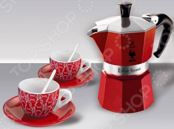 Набор для кофе Bialetti SET Moka Red Passion 4930Кофеварки. Кофемолки. Турки<br>Набор для кофе Bialetti SET Moka Red Passion 4930 замечательный комплект для истинных любителей кофе. Он представлен двумя керамическими чашками с блюдцами и ложечками и гейзерной кофеваркой. Это высококачественное и практичное изделие, которое станет вашим верным помощником при приготовлении ароматного напитка. Кофеварка изготовлена из прочного полированного алюминия, этот материал долговечен и надежен, препятствует появлению коррозии и легко очищается. При этом он достаточно легок и изящен. Рукоятка кофеварки выполнена из термостойкого материала. Прибор очень прост в использовании и подходит для всех типов плит, кроме индукционных. Набор прекрасно сочетает в себе стильный дизайн и достойные потребительские свойства. Представлен он в изящных красно-белых тонах, которые очень приятны глазу. Комплект будет не только полезным дополнением кухонной утвари, но и украшением интерьера. Такой замечательный кофейный набор отличный повод, чтобы пригласить любимого человека и насладиться непревзойденным вкусом ароматного напитка вдвоем.<br>