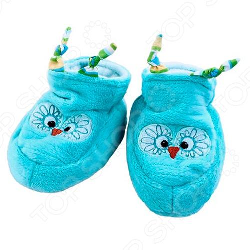 Тапочки детские Жирафики «Сова»Носки. Пинетки. Колготки<br>Если хотите поднять настроение вашему малышу, подарите ему Тапочки детские Жирафики Сова . Жирафики Сова тапочки с характером, они приносят радость детям. Они комфортные, яркие и показывают невероятные фокусы, когда ребенок просто носит их. Внутри тапочек - погремушки, которые издают забавные звуки при ходьбе. Тапочки невероятно мягкие, теплые, изготовленные из качественного материала. Они сделают вашего ребенка радостным и счастливым. Такие тапочки смогут стать отличным подарком на день рождения, к любому празднику или особому событию.<br>