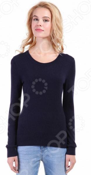 Джемпер Baon B136705. Цвет: синийДжемперы. Кардиганы. Свитеры<br>Джемпер это не только универсальная, но и весьма демократичная одежда. В зависимости от кроя, цветовой гаммы и рисунка, он может стать частью как классического, так и casual-гардероба. Такая одежда не просто удобна и практична, она еще и легко сочетаема с другими предметами гардероба. Стильно и со вкусом Джемпер Baon B136705 подчеркнет ваш вкус и поможет создать стильный и гармоничный образ. Модель универсальна, прекрасно подходит для повседневного ношения и хорошо сочетается с брюками, джинсами и юбками. Темно-синий джемпер будет также и отличным дополнением вашего базового гардероба. Особенно эффектно он смотрится в сочетании с вещами белого, красного, желтого и коричневого цвета.  Особенности модели:  приталенный силуэт;  длинные рукава с манжетами;  круглый воротник;  сезон осень-зима. В качестве материала используется трикотаж с добавлением ангоры. Ткань очень мягкая, шелковистая и приятная на ощупь. Добавление к вискозе полиамида делает материал еще более прочным и устойчивым к истиранию. Также стоит отметить высокое качество используемых красителей. Они долго сохраняют свою яркость и не теряют цвет даже после многочисленных стирок.  Будь в тренде! Одежда Baon это синоним качества и стильного современного дизайна. Компания занимается производством как мужской, так и женской одежды. Коллекции соответствуют лучшим европейским трендам, а модели адаптированы под самые актуальные модные тенденции. Хотите выглядеть модно и стильно Тогда вперед за покупками в Baon!<br>