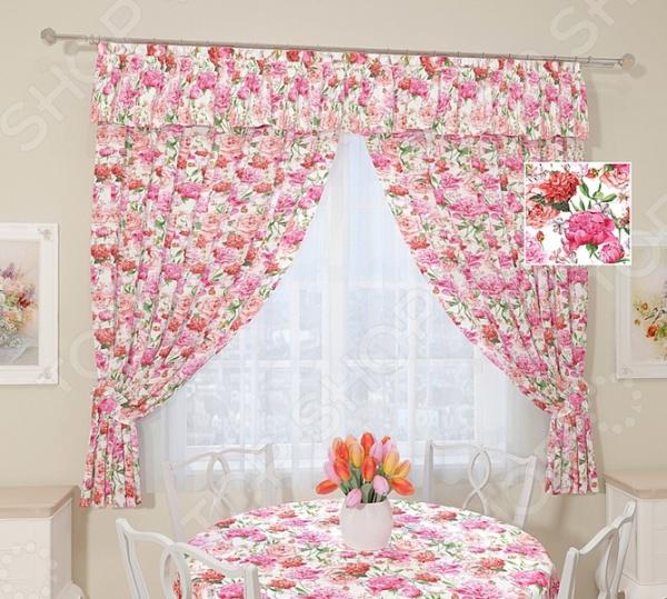 Комплект штор Сирень «Розовые пионы»Шторы<br>Окно в комнате может считаться её символическим центром, поэтому так важно выбрать подходящее для него художественное оформление, которое бы гармонично вписывалось в выбранный вами стиль интерьера. Правильно подобранные шторы способны преобразить вашу комнату, сделать её более светлой или уединенной, яркой или более спокойной, визуально больше или уютней. Комплект штор Сирень Розовые пионы это идеальный вариант для вашей кухни. Прочные, плотные и качественные изделия не только стильно оформят оконное пространство, но и позволят правильно расставить акценты в интерьере, скрыть небольшие недостатки в отделке. Особенность данной модели заключается в нежном цветочном рисунке, который понравится ценителям классики. Он не выгорает на солнце и не выцветает при стирке. В комплект входят 2 портьеры размером 145х180 см, ламбрекен и 2 подхвата. Портьеры и ламбрекен выполнены из прочного и практичного габардина. Это приятный на ощупь материал прост в уходе, так как легко выдерживает многочисленные стирки и глажки. Он также прекрасно пропускает свет, а за счет особого плетения нитей формирует мягкие складки без заломов. Габардин дышит , поэтому не мешает циркуляции воздуха в помещении. Шторы из такого материала выглядят дорого и очень изыскано. Изделия рекомендуется при температуре 30 С в режиме бережной стирки и гладить при 150 С в режиме шелк . Не следует использовать отбеливающие средства. Шторы крепятся с помощью специальной шторной ленты на крючки.<br>