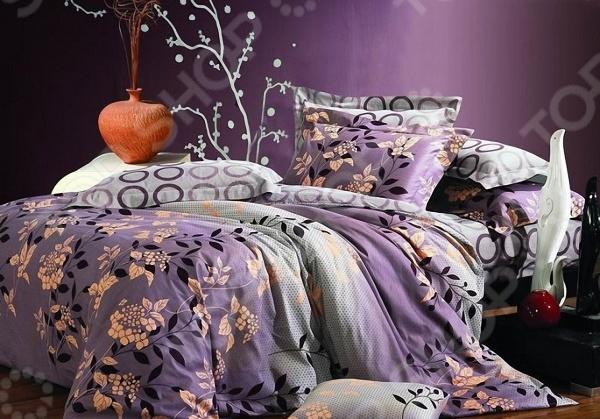 Комплект постельного белья Мар-Текс «Веста». 1,5-спальный1,5-спальные<br>Комфортный и здоровый сон не в последнюю очередь зависит от того на каком постельном белье вы спите. Слишком жесткое белье, пусть даже из натурального материала, может оставлять на чувствительной коже покраснения и раздражения. На такой постели часто образуются катышки, которые в конец портят внешний вид белья и ваше настроение. Комплект постельного белья Мар-Текс Веста удивительный постельный набор, который понравится тем, кто ценит комфорт, красоту и качество. Выполненные из натурального хлопкового материала сатина, который отличается приятной шелковистостью и текстурой, изделия станут идеальным решением для здорового и комфортного сна. Благодаря тому, что сатин изготавливается из крученой хлопковой нити двойного плетения, он сочетает в себе прочность, легкость и удивительную износоустойчивость. Эта ткань относится к категории высококачественных тканей, которые идеально подходят для повседневного использования. Оно не электризуется и не скользит по кровати, а также сохраняет свою первоначальную форму даже после многочисленных стирок. Такое постельное белье привлекает своим роскошным внешним видом, высоким качеством и прекрасными характеристиками. Главной особенностью комплекта постельного белья Мар-Текс Веста можно назвать пигментный способ окрашивания, в результате которого рисунок наносится лишь на лицевую сторону ткани. Использование специальных пигментных веществ позволяет добиться максимальной цветопередачи и четкости принта за счет того, что они не проникают внутрь самих волокон. Чтобы постельное белье прослужило как можно дольше, а рисунок сохранил все насыщенные цвета:  не рекомендуется использовать отбеливатели и прочие сильные моющие средства;  перед стиркой белье следует вывернуть на изнанку;  стирать при температуре не выше 40 С;  стирать отдельно от полотенец, пижам, постельных принадлежностей из бязи и поплина;  гладить с изнаночной стороны, когда белье ещё немного влажное.<br>